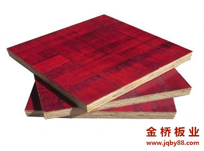 青岛竹胶板多少钱一张?