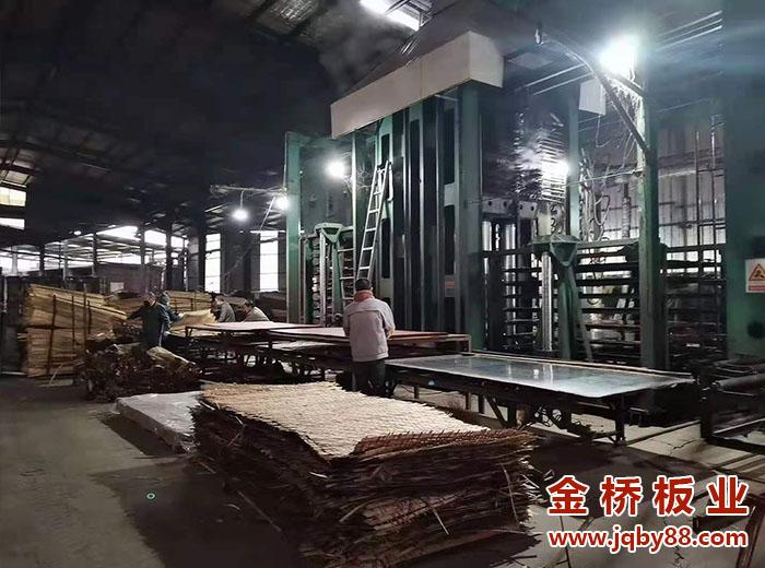 北京竹胶板多少钱一块?