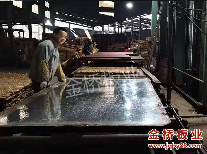 竹胶板厂家哪家好?竹胶板厚度公差问题主要有哪些?