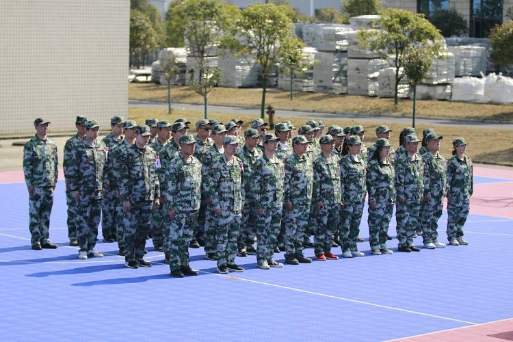 金桥板业春季军训开营仪式在桃江基地举行