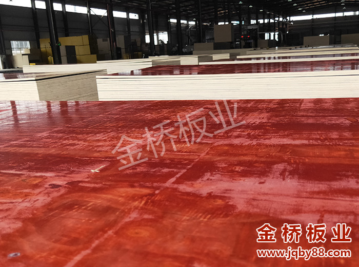 哪个厂家建筑木模板好?建筑木模板厂家怎么选择?
