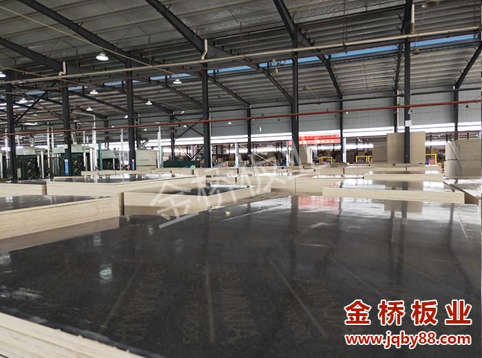 广东深圳建筑用木模板价格是多少?