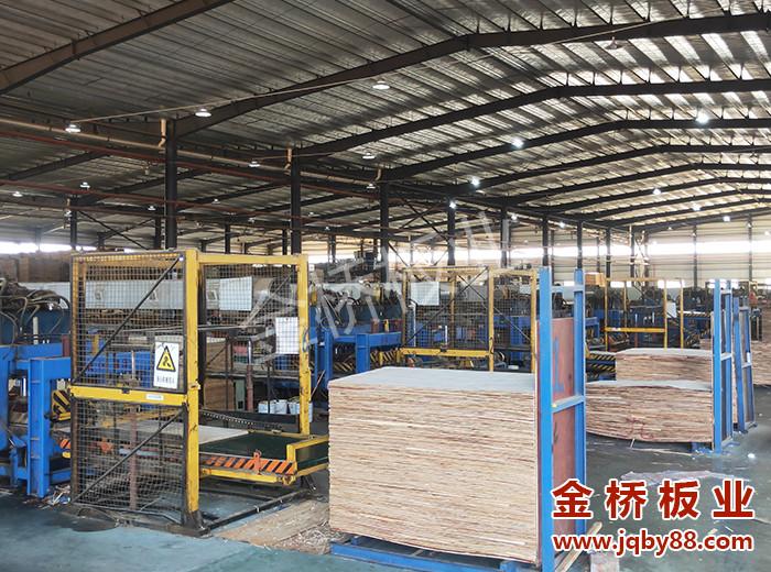 建筑竹胶板与建筑木模板相比有什么优点?