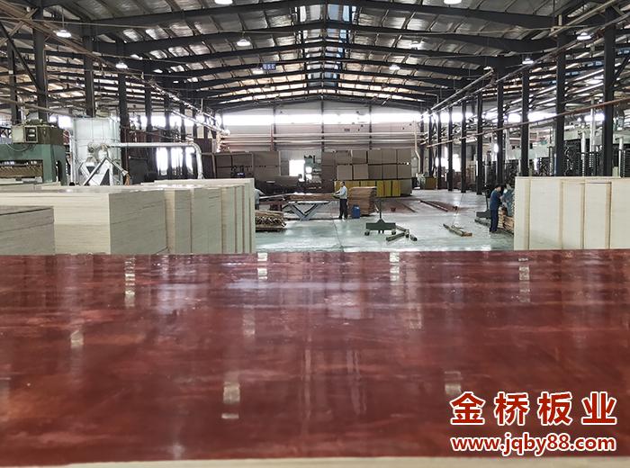 广西建筑木模板选择金桥板业工厂价格实惠!